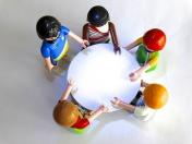 Jak rozwija się mowa dziecka w poszczególnych okresach jego życia?